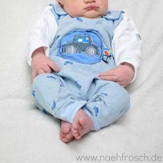 Nähfrosch Baby  erster Strampler nach Freebook Schnittmuster Warme Füßchen von Yvar Stickdatei Auto von Kerstin Bremer Nähen Sewing