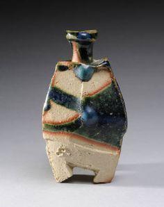 Artist: Ryuichi Kakurezaki, Title: Sake Bottle Oribe, View 2 - click on image to enlarge