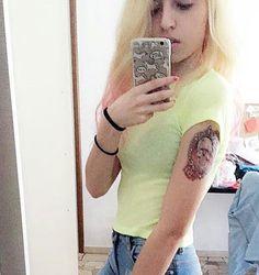 Gothic Skull & Roses Tattoo #t4aw #tattooforaweek #temporarytattoo #faketattoo #tinsleytransfers #gothic #skull #roses #tattoo