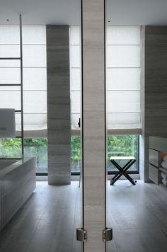 Interiors of the Armani Hotel Milano, photographed by Ivan Terestchenko Casa Hotel, Hotel Spa, Hotel Lobby, New Bathroom Designs, Modern Bathroom, Bathroom Ideas, Armani Hotel Milan, Giorgio Armani, Interior Architecture