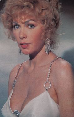 Stella in The Poseidon Adventure. Carol Lynley, The Poseidon Adventure, Stella Stevens, Anouk Aimee, Shelley Winters, Disaster Movie, Jacqueline Bisset, Classic Movie Stars, Actrices Hollywood
