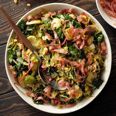 Brussels Sprouts & Kale Saute - Taste of Home Dutch Oven Recipes, Cooking Recipes, Fast Recipes, Vegetarian Cooking, Ww Recipes, Easy Cooking, Veggie Recipes, Salad Recipes, Vegetarian Recipes