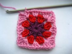 Joining Squares as-you-go : joining granny squares as you go V Stitch Crochet, Crochet Motif, Crochet Yarn, Crochet Stitches, Crochet Patterns, Grannies Crochet, Crochet Squares, Love Crochet, Granny Squares