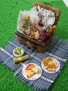 Doll House Miniatures - Picnic Hamper and Contents. Veronica Norris. LittleHouseAtPriory/Etsy