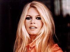 Bridget Bardot eye makeup tutorial