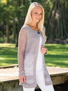 This cardigan pattern epitomizes modern grace whether it is dressed up or dressed casually. Made using a light-weight yarn, pattern is written for sizes S(M, L, XL, 2XL).  Skill Level: Easy  http://www.maggiescrochet.com/collections/new/products/velana-cardigan