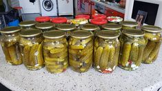 Výborné uhorky podľa zatiaľ najlepšieho receptu, aký som skúsila. Pickling Cucumbers, Tomato Vegetable, Kefir, Pickles, Food To Make, Sausage, Mason Jars, Cooking Recipes, Canning
