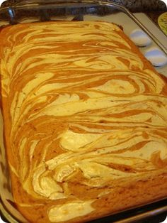 These were pretty yummy for being so low in calories! Not like a normal cake*** Pumpkin Cream Cheese Bars - Weight Watchers 2 points! Ww Desserts, Weight Watchers Desserts, Delicious Desserts, Dessert Recipes, Yummy Food, Weight Watcher Angel Food Cake Recipe, Weight Watchers Brownies, Weight Watchers Pumpkin, Tasty