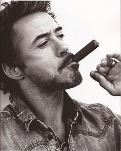 Robert Downey Jr, Talento, inteligencia, Diversion y Superacion.... A great person