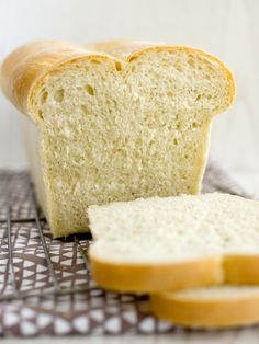 Picture of Recept - Toastový máslový chléb Bread Toast, Ciabatta, Family Meals, Family Recipes, Cornbread, Bread Recipes, Rolls, Food And Drink, Pizza