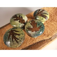 4 Leaf Ceramic Cabinet Knobs or Drawer Pulls Cabinet Hardware in... ($50) ❤ liked on Polyvore featuring home, home decor, decorative hardware, rustic home accessories, green home accessories, rustic home decor and ceramic home decor