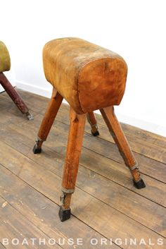 Vintage Extending Suede Old School Pommel Horse Coffee Table Industrial Seating Gymnastics Training, Cuir Vintage, Gym Junkie, Training Equipment, Old School, Restoration, Stool, Leather, Wedding Inspiration