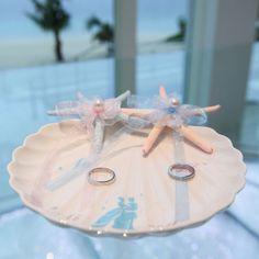 素材&デザイン別!可愛すぎるリングピローのアイデアカタログ* | marry[マリー] Ring Pillow, Diy And Crafts, Cinderella, Beach Weddings, Table Decorations, Design, Shells, Weddings At The Beach, Ring Pillows