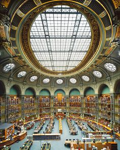 The oval room of the old building of the National Library of France. © Ahmet Ertug. Reading Room, City Photo