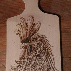 Planche en bois hêtre pyrogravée coq