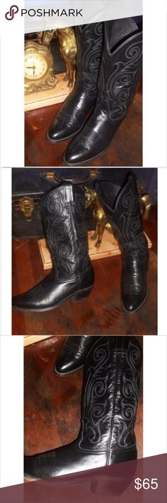 """Tony Lama Pampa Black Pull on WESERN Boots This is a pair of BEAUTIFUL.. ORIGINAL Western Texas CLASSICS: """"Tony Lama Black Pampa COWBOY Boots"""" Womens WESTERN BOOTS""""  FEATURES: Genuine leather foot and shaft.. leather sole..leather pull tabs..Artist Indian style shaft stitching.  WOMEN'S Size 8 M...measures heel to toe is 11 inches..sole at widest is 3 5/8...top shaft to bottom sole measures 14 inches.  EXCELLENT CONDITION...Little to NO SOLE WEAR..NO RIPS..NO HOLES..NO SMOKING Tony Lama…"""