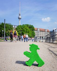 A sunny walk along the Spree! Perfect! :) #LittlrGreenMan #AmpelmannWorld #FollowAmpelmann #ampelmannLifestyle #Berlin
