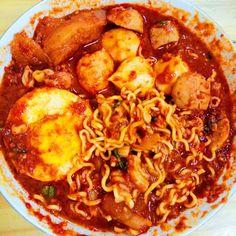 Resep Seblak Jeletet Super Pedas Healthy Casserole Recipes, Spicy Recipes, Easy Chicken Recipes, Asian Recipes, Diet Recipes, Snap Food, Food Carving, Food Goals, Indonesian Food