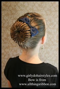 Girly Do's By Jenn: Twisted Bun This is so cute! And looks great for days I want her hair to stay put. Braided Bun Hairstyles, Cute Girls Hairstyles, Princess Hairstyles, Love Hair, Great Hair, Competition Hair, Twist Bun, Bad Hair, Hair Dos