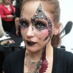 Fantastic details made with liquid latex from #graftobian made by Einat Dan MUA