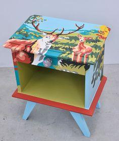 Valorisation créative sur une table basse par ATELIER D'éco SOLIDAIRE.