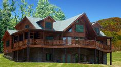 The Jackson Hole: 1-1/2 story, 2453 sq ft of awesome log home! Open kitchen, big glass front, 3 beds, 3 1/2 baths