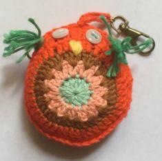 Porte clefs chouette au crochet - Un grand marché Crochet Earrings, Creations, Porte Clef, Owls, Handmade