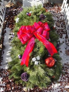 grave blankets | We decorated a small Christmas tree for Carly's grave. Small Christmas Trees, Christmas Tree Toppers, Christmas Angels, Christmas Wreaths, Christmas Decorations, Holiday Decor, Christmas Christmas, Christmas Flowers, Outdoor Christmas
