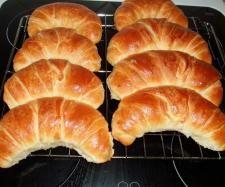Croissant XL - interesante, einfache Technique. Muss unbedingt ausprobieren (aber mit Butter !)