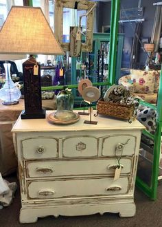 Chest painted with Creamy Linen Farmhouse Paint.
