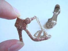 Too pretty // Handmade Miniature Shoes Polymer Clay van YinyingO op Etsy, $38.00