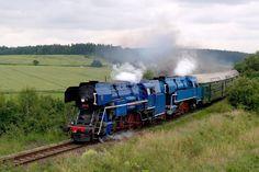 477.013 + 477.043 Rakovník zastávka - Lužná u Rakovníka Train Layouts, Steam Locomotive, Model Trains, World, Old Trains, Railings, Photos, Europe, The World