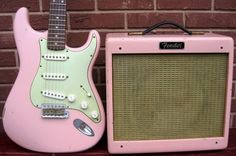 Fender 2004 Custom Shop Limited Edition 1959 Slab Board Stratocaster and Pro Junior amp set in Shell Pink