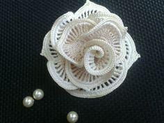 Diy Crafts - This Pin was discovered by ela Irish Crochet Patterns, Crochet Motifs, Freeform Crochet, Thread Crochet, Crochet Designs, Crochet Doilies, Crochet Flowers, Crochet Lace, Crochet Coat