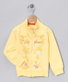 Pepped up in flowers and comfy elastic hems, this jacket ensures girls will be on their finest fashionable behavior. Its zipper front makes slipping in and out as easy as please and thank you.