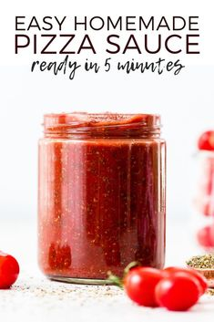 This is the best Easy Homemade Pizza Sauce Recipe ever! It's ready in 5 minutes and made with only 9 ingredients! Plus this healthy pizza sauce recipe is gluten-free, paleo-friendly, dairy-free, & vegan! Easy H Pizza Recipes, Sauce Recipes, New Recipes, Cooking Recipes, Favorite Recipes, Pizza Snacks, Pizza Food, Pizza Pizza, Kitchen Recipes