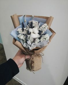 bouquet Boquette Flowers, How To Wrap Flowers, Beautiful Bouquet Of Flowers, Paper Flowers Diy, How To Preserve Flowers, Dried Flowers, Beautiful Flowers, Bouquet Wrap, Hand Bouquet
