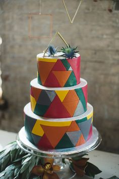 geometric wedding cake, photo by Alexandra Whitney, styling by Juniper & Dash http://ruffledblog.com/mixed-metal-geometric-inspiration #geometric #cakes #weddingcake