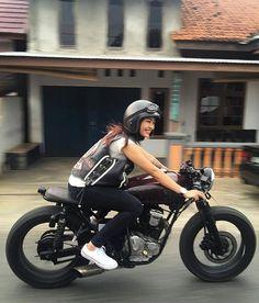 @bikers_indo123 @bikers_indo123 ・・・ #caferacer #caferacerindonesia #caferacercolombia #caferacermagazine #caferacerinspo #caferacerbandung #caferacerclub #caferacergram #caferacerproject #caferacerstyle #caferacerculture #caferacerporn #caferacerdream #caferacerlife #caferacerworld #caferacersociety #caferacerxxx #cafebrat #cafebratstyle #brat #bratstyleindonesia #bratstyle #bike #bikers #bikepor