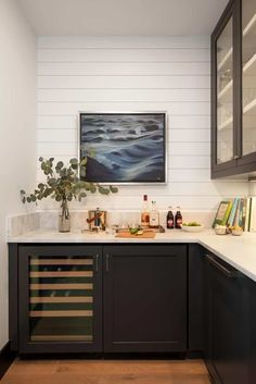 Modern farmhouse residence in Wyoming boasts serene creekside setting Beach Kitchens, Interior Architecture, Interior Design, Architect Design, Modern Family, Wyoming, Modern Farmhouse, Living Spaces, Living Room