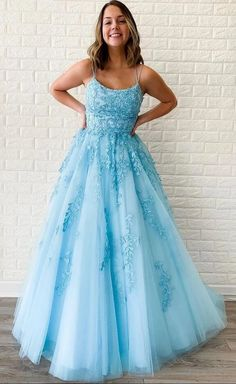 blue sleeveless v-neck applique full length evening party dress spaghetti-straps tulle long women dress school event dress Pretty Prom Dresses, Tulle Prom Dress, Lace Evening Dresses, Prom Dresses Blue, Prom Party Dresses, Homecoming Dresses, Dress Party, Dress Lace, Bridesmaid Dresses