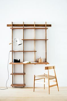 Partnering with SUDACAS, Alejandro Sticotti created a handcrafted, modular, and sustainable bookshelf and coat rack right before your very eyes.