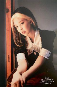 Kim Jennie, Kpop Girl Groups, Korean Girl Groups, Kpop Girls, Yg Entertainment, Blackpink Memes, Blackpink Photos, Blackpink Fashion, Kpop Fashion Outfits