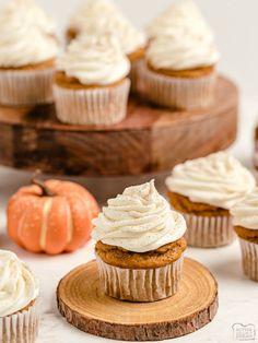 Cake Mix Cupcakes, Cupcakes With Cream Cheese Frosting, Pumpkin Spice Cupcakes, Pumpkin Dessert, Cupcake Cakes, Cup Cakes, Best Pumpkin, Spiced Pumpkin, Cupcake Recipes