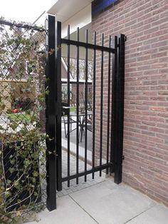 Metal Garden Gates, Metal Gates, Iron Gates, Entrance Gates, House Entrance, Grill Gate Design, Side Gates, Grades, Aluminum Fence