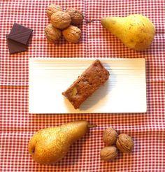 PLUMCAKE PERE BANANE NOCI CIOCCOLATO FONDENTE http://www.bettinaincucina.com/2016/05/plumcake-pere-banane-noci-cioccolato/