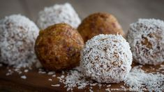 Today's recipe is for lemon coconut vegan bliss balls. These taste so delicious and are super quick and easy to make. They will be gobbled up faster than you. Vegan Dessert Recipes, Vegan Sweets, Healthy Sweets, Vegan Snacks, Whole Food Recipes, Snack Recipes, Vegan Food, Vegan Finger Foods, Lemon Coconut