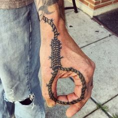 This is my boyfriends hand! Lol #Noose