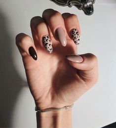 Leopard Nails Nude Nails - Nails How to use nail polish? Nail polish in your friend's nails looks perfect, nevertheless, you can't ap Neutral Nail Polish, Nails Polish, My Nails, Shellac Nails, Remove Shellac, Fall Nail Polish, Nail Polish Trends, Nail Trends, Bright Summer Acrylic Nails