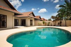 2 bedroom pool villa for sale in Pattaya City, THAILAND  http://www.towncountryproperty.com/houses/mabprachan-lake-house-20152.html